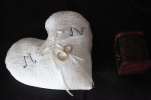 B2L Créations - Couture et retouches sur Rouen - Accessoire mariage coussin alliances