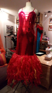B2L Créations - Couture et retouches sur Rouen- Robe paillettes et bas flammes