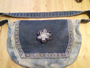 B2L Créations - Couture et retouches sur Rouen- sac en jean dentelle fleur